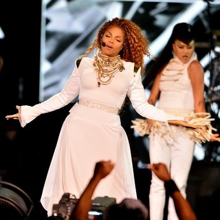 Janet Jackson - Janet Jackson Performs Live as Part of Her Unbreakable World Tour