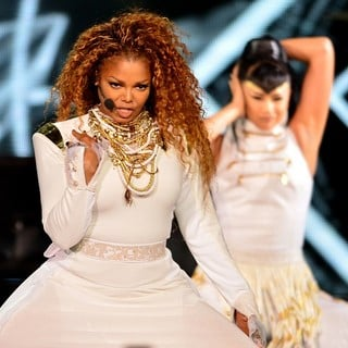 Janet Jackson Performs Live as Part of Her Unbreakable World Tour