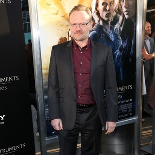 Jared Harris in Premiere of Screen Gems and Constantin Films' The Mortal Instruments: City of Bones - jared-harris-premiere-the-mortal-instruments-city-of-bones-03