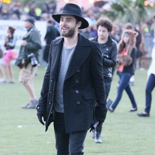 30 Seconds to Mars in Celebrities at The 2012 Coachella Valley Music and Arts Festival - Day 1 - jared-leto-2012-coachella-day-1-07