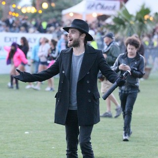 30 Seconds to Mars in Celebrities at The 2012 Coachella Valley Music and Arts Festival - Day 1 - jared-leto-2012-coachella-day-1-09