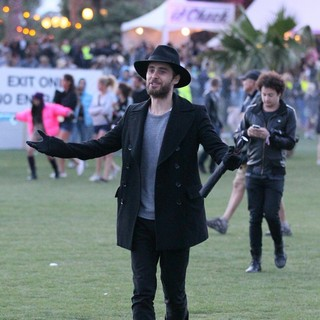 30 Seconds to Mars in Celebrities at The 2012 Coachella Valley Music and Arts Festival - Day 1 - jared-leto-2012-coachella-day-1-12