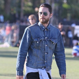 30 Seconds to Mars in Celebrities at The 2012 Coachella Valley Music and Arts Festival - Day 2 - jared-leto-2012-coachella-day-2-04