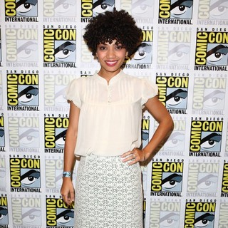Jasika Nicole in Comic Con 2011 Day 3 - Fringe - Press Room