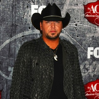 Jason Aldean in 2012 American Country Awards - Arrivals