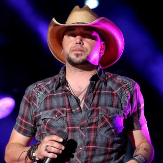 Jason Aldean in The 2013 CMA Music Festival - Day 3