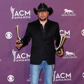 Jason Aldean in 48th Annual ACM Awards - Press Room