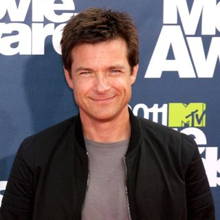 Jason Bateman in 2011 MTV Movie Awards - Arrivals