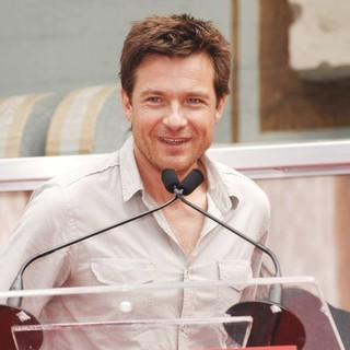 Jason Bateman in Jennifer Aniston Is Honoured with A Hand and Footprint Ceremony