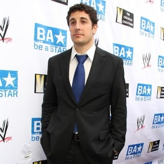 Jason Biggs in Anti-Bullying Alliance Be A Star Launched by The Creative Coalition, A-List Celebs and WWE