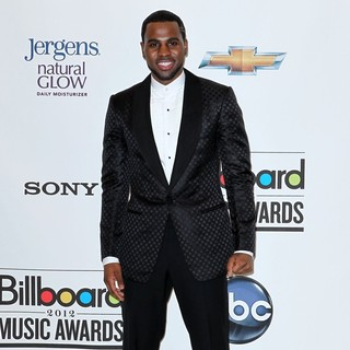 Jason Derulo in 2012 Billboard Music Award - Press Room