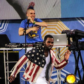 Jason Derulo in Jason Derulo Performing Live on ABC's Good Morning America