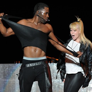 Jason Derulo in Jason Derulo Performs During The Black Eyed Peas Final Concert of The Year