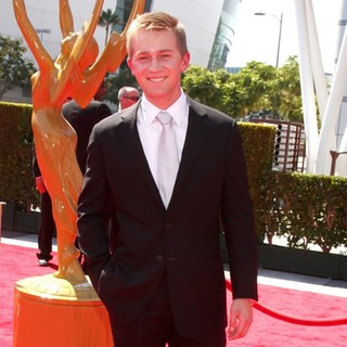 Jason Dolley in 2012 Creative Arts Emmy Awards - Arrivals - jason-dolley-2012-creative-arts-emmy-awards-01