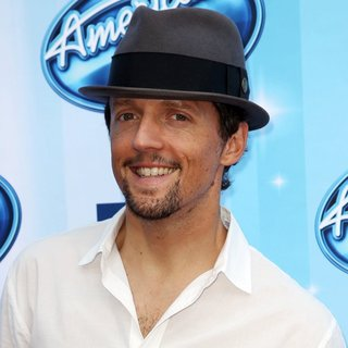Jason Mraz in FOX's American Idol XIII Finale