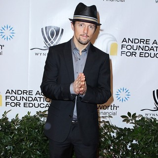 Jason Mraz in Andre Agassi Grand Slam for Children
