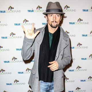 Jason Mraz in Cyndi Lauper and Friends: Home for The Holiday's Concert - Arrivals