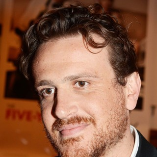 Jason Segel in Premiere of The Five-Year Engagement - Arrivals