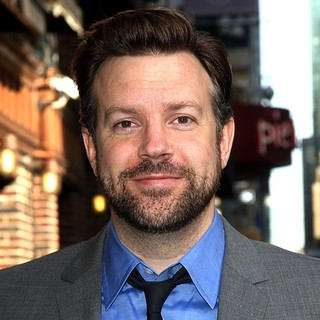 Jason Sudeikis in Celebrities Arrive at The Ed Sullivan Theater for The Late Show with David Letterman - jason-sudeikis-late-show-with-david-letterman-01