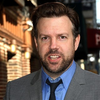 Jason Sudeikis in Celebrities Arrive at The Ed Sullivan Theater for The Late Show with David Letterman - jason-sudeikis-late-show-with-david-letterman-02