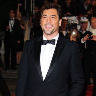 Javier Bardem in World Premiere of Skyfall - Arrivals