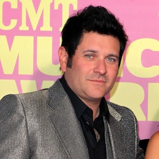 Rascal Flatts in 2012 CMT Music Awards - jay-demarcus-2012-cmt-music-awards-01