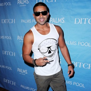 Jay Sean in Jay Sean at Ditch Fridays