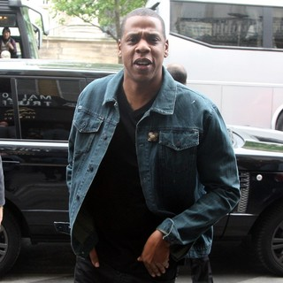 Jay-Z in Jay-Z Going to Have Dinner with His Wife at Caviar Kaspia's