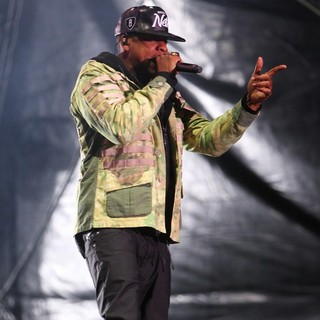Jay-Z in BBC Radio 1's Hackney Weekend - Day 1 - jay-z-hackney-weekend-day-1-17