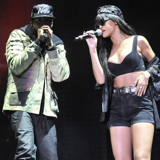 Jay-Z, Rihanna in BBC Radio 1's Hackney Weekend - Day 1