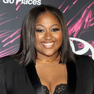Jazmine Sullivan in 2015 Soul Train Music Awards - Arrivals
