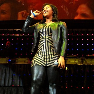 Jazmine Sullivan in Chicago's 107.5FM WGCI Big Jam 2010 Presented by Kodak