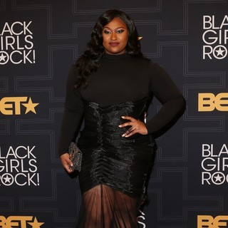 Jazmine Sullivan in Black Girls Rock! 2016 - Arrivals