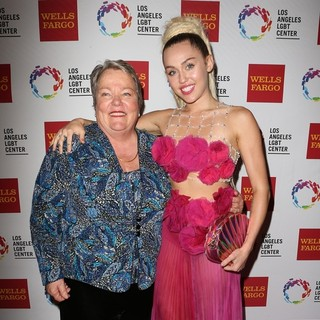 Miley Cyrus - The Los Angeles LGBT Center's 46th Anniversary Gala Vanguard Awards - Arrivals