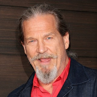 Jeff Bridges in Spike TV's Guys Choice Awards 2013 - Arrivals - jeff-bridges-guys-choice-awards-2013-01