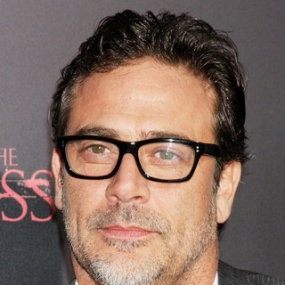 Jeffrey Dean Morgan in The Premiere of The Possession - Arrivals - jeffrey-dean-morgan-premiere-the-possession-01