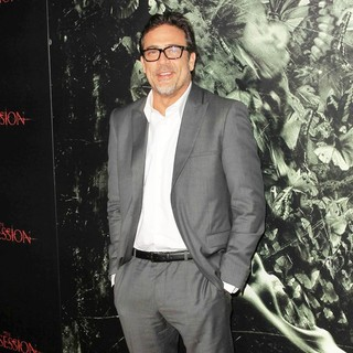 Jeffrey Dean Morgan in The Premiere of The Possession - Arrivals - jeffrey-dean-morgan-premiere-the-possession-03