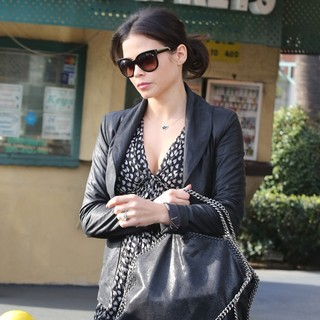 Jenna Dewan in Jenna Dewan Seen Leaving The Nail Salon