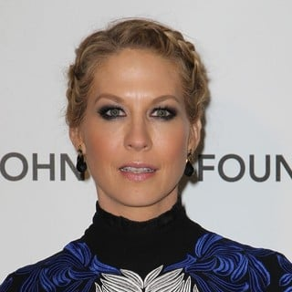 Jenna Elfman in 21st Annual Elton John AIDS Foundation's Oscar Viewing Party - jenna-elfman-21st-annual-elton-john-aids-foundation-s-oscar-viewing-party-01