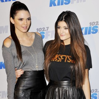 Kendall Jenner, Kylie Jenner in KIIS FM's 2012 Jingle Ball - Night 2 - Arrivals