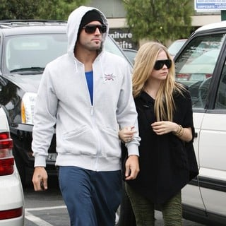 Brody Jenner - Brody Jenner and Avril Lavigne Go Shopping at Whole Foods