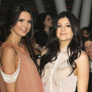 Kendall Jenner - The Twilight Saga's Breaking Dawn Part I World Premiere