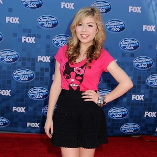 Jennette McCurdy in The 2011 American Idol Finale