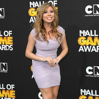 Jennette McCurdy in 2012 Cartoon Network Hall of Game Awards