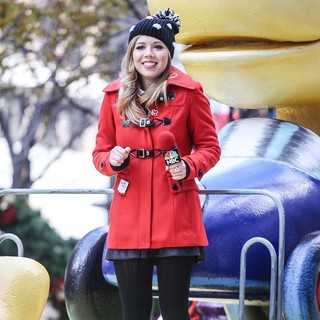 Jennette McCurdy in 86th Annual Macy's Thanksgiving Day Parade