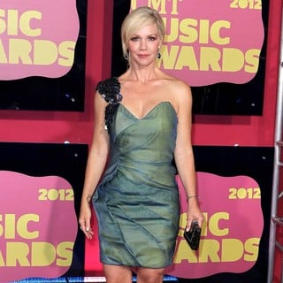 Jennie Garth in 2012 CMT Music Awards