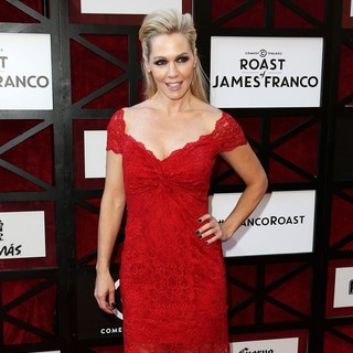 Jennie Garth in The Comedy Central Roast of James Franco