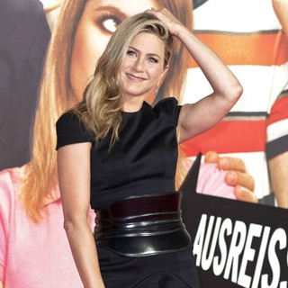 Jennifer Aniston in We're the Millers German Premiere - Arrivals