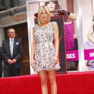 Jennifer Aniston in Jennifer Aniston Is Honoured with A Hand and Footprint Ceremony