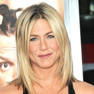 Jennifer Aniston in The Los Angeles Premiere of Horrible Bosses - Arrivals